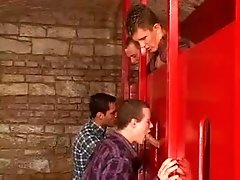 GLORY HOLE CON JOVENES CALIENTES