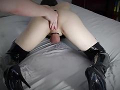 Slave Robin get Rough Fingered (Hot T-Girl)